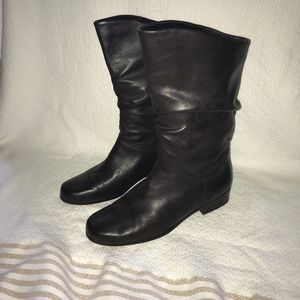 St. John's Bay Sz 6.5 brown boots.